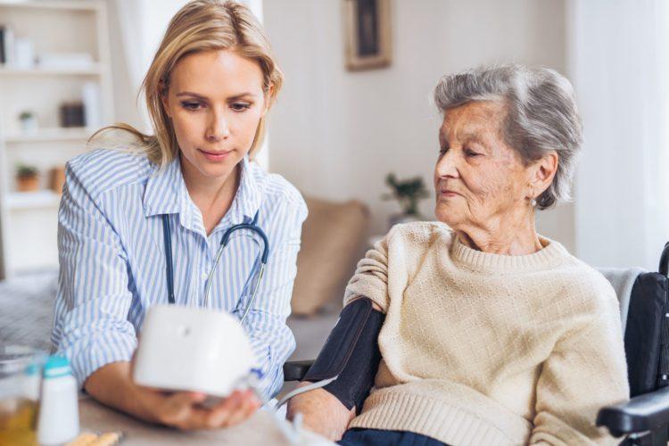 cuidador de idosos Blumenau